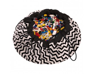 Play & Go Playmat with black zig zag pattern
