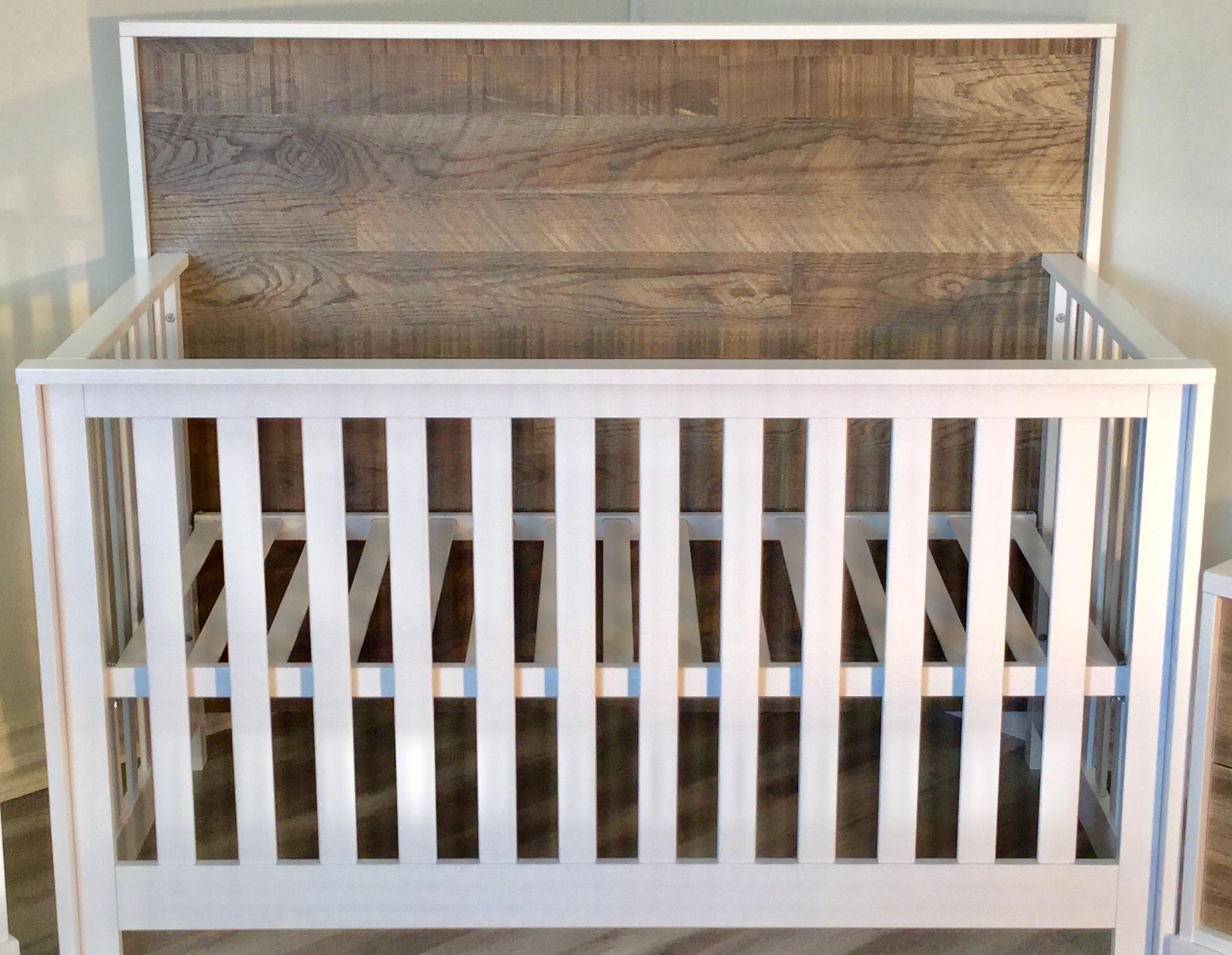 Nest Vibe Convertible Crib Sleepy Hollow Canada